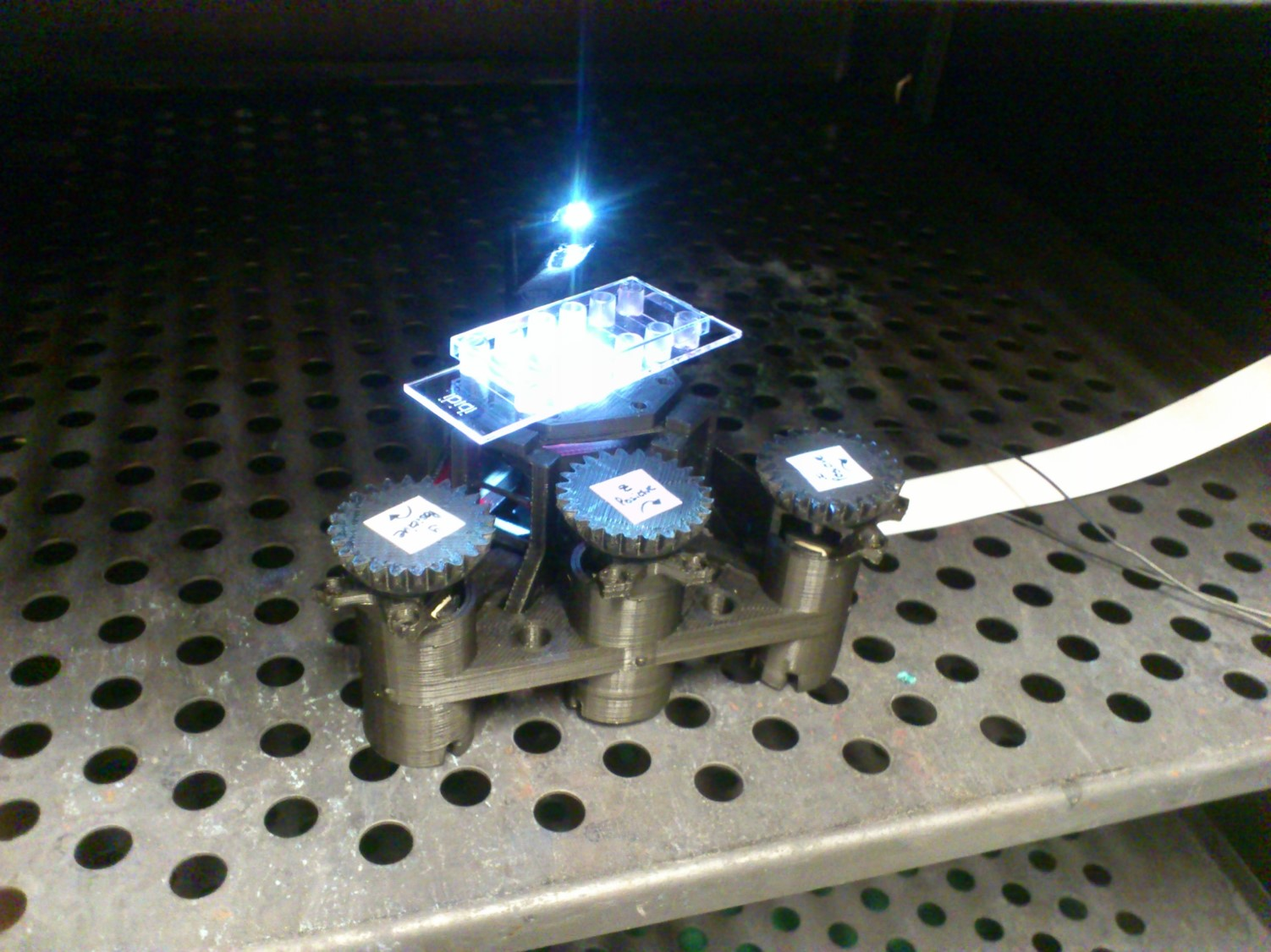 An OpenFlexure Microscope in an incubator (courtesy Stephanie Reichelt and Dario Bressan at CRUK, Cambridge)